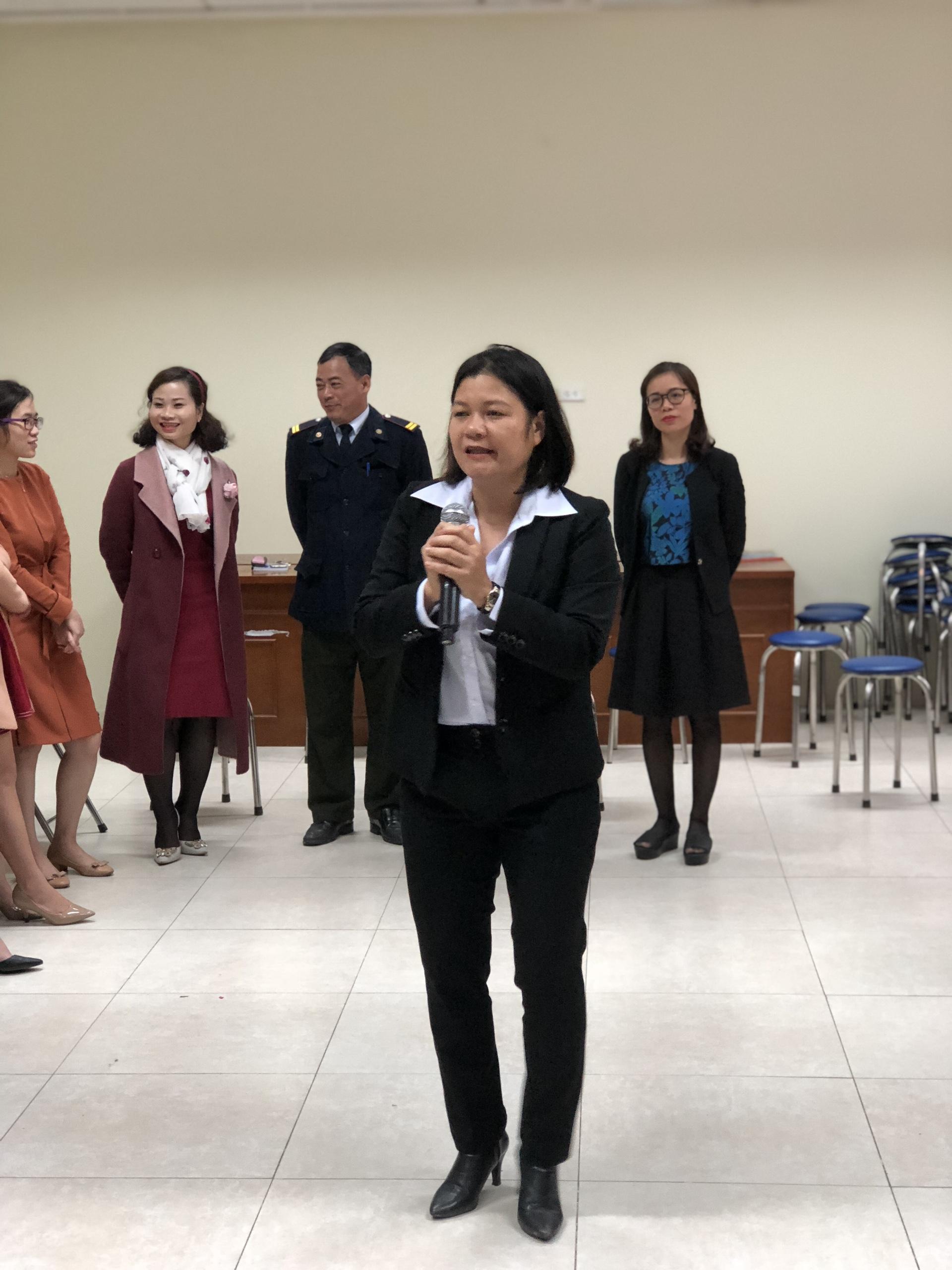 ThS Trần Thị Tuyết Mai trong buổi Toạ đàm - Tập huấn tại Hệ thống Giáo dục CGD Victory