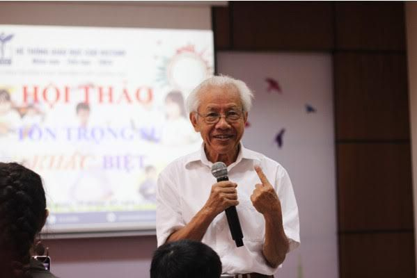 """Giáo sư Hồ Ngọc Đại, cha đẻ của mô hình giáo dục thực nghiệm, chia sẻ về khái niệm """"Học sinh là trung tâm""""."""